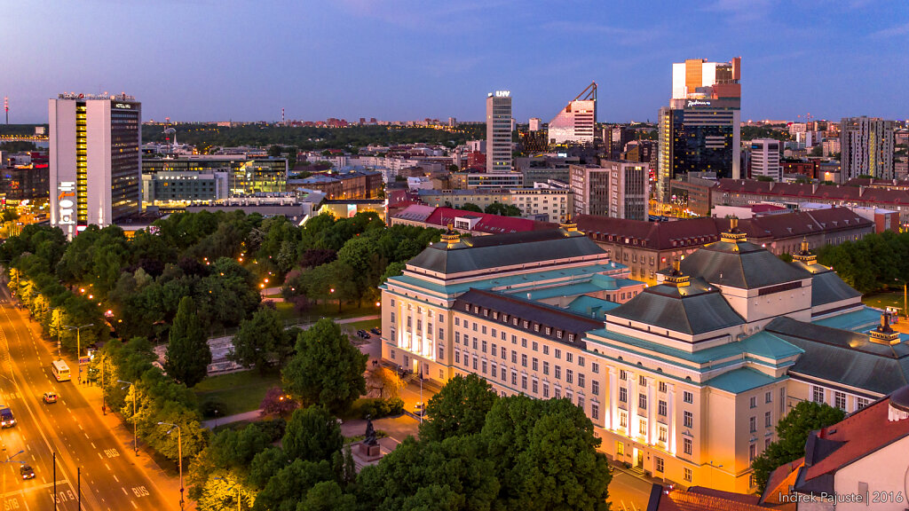 Estonia teater peale päikeseloojangut